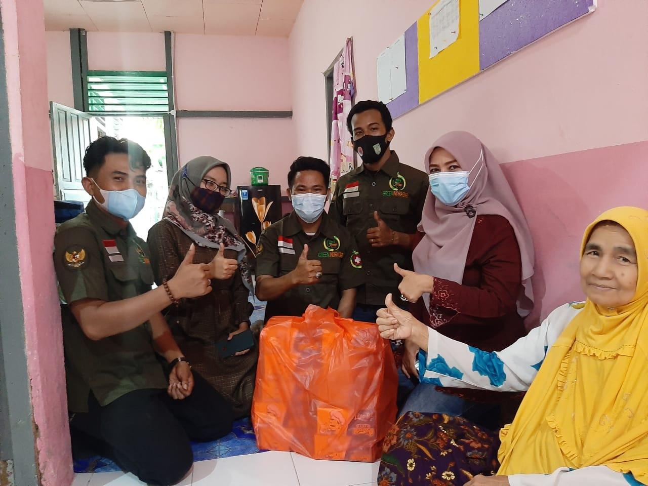 Organisasi Green Indragiri Gelar Syukuran dan Berbagi Takjil Kepada Pasien RSUD Tembilahan